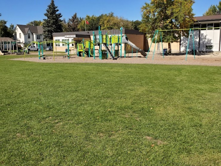 Fort la Reine School playground